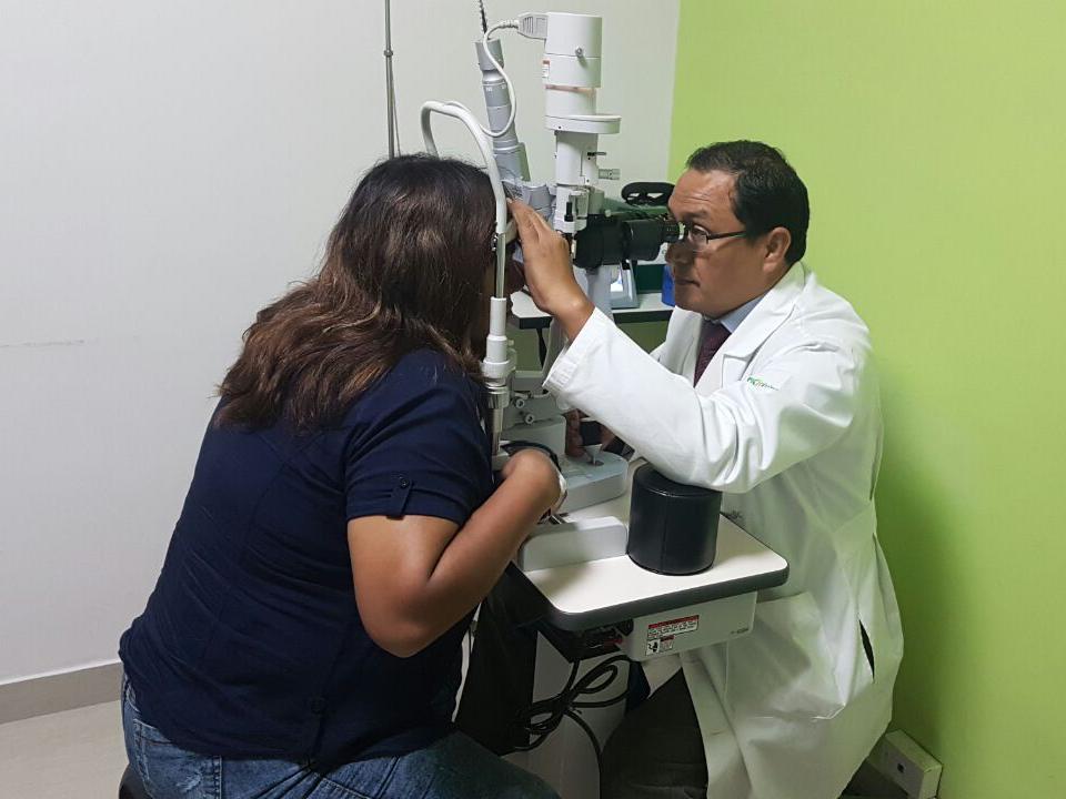 https://www.retinologodantealiaga.com/wp/wp-content/uploads/2016/03/examen-de-ojos-1.png