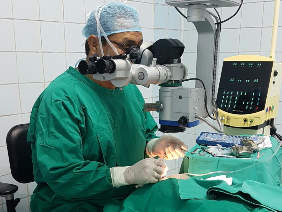 https://www.retinologodantealiaga.com/wp/wp-content/uploads/2016/03/oftalmologo-retinologo.png